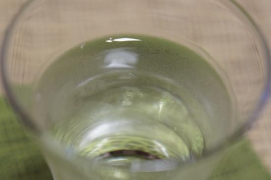 『雪洞貯蔵酒 緑』は無色透明