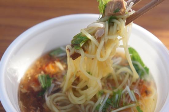 麺にとろみスープが良くからむ