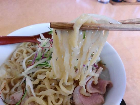 冷やしラーメンの太麺