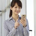 スマートフォンを使う時どんな姿勢で使っていますか?